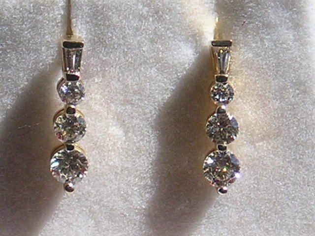 0,75 carat Diamantøreringe