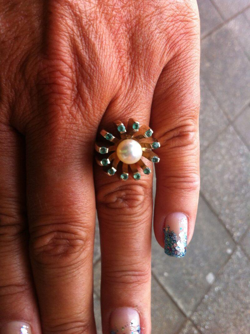 Unika Ring m. Smaragder og Perle.