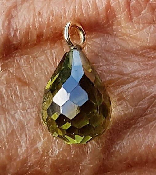 Håndlavet 14 Karat Grøn Krystal Vedhæng.