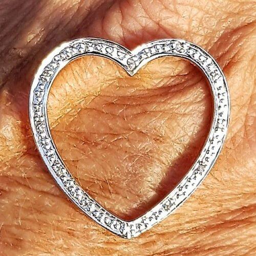 Hjerte Diamant Vedhæng i 14 Karat Guld m. 6 Diamanter Sat i Hvidguld.