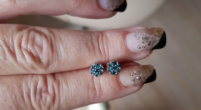 Roset Diamant Øreringe i Hvidguld m. Blå Diamanter.