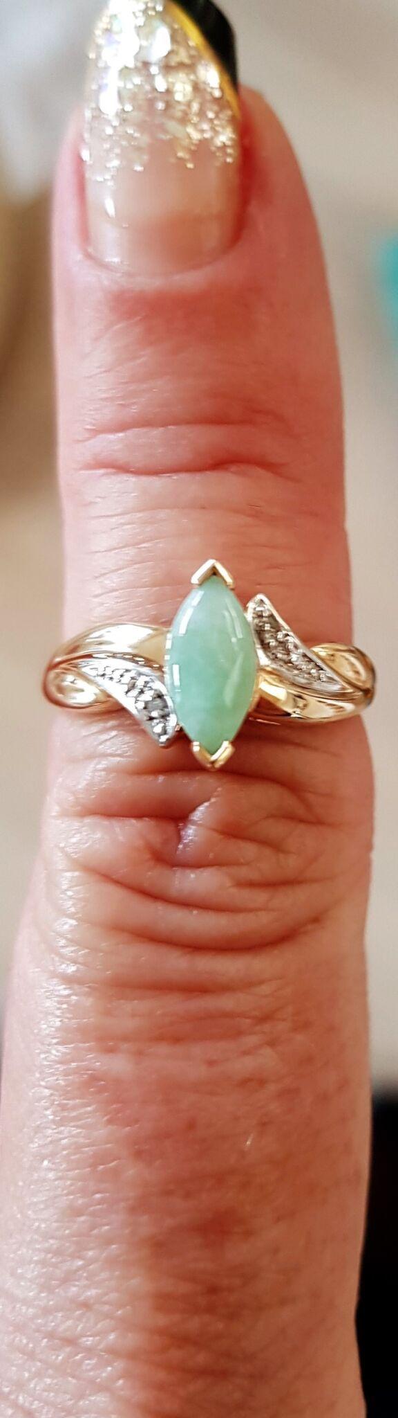 14 Karat Guld ring m. Marquise Slebet Grøn Jade.