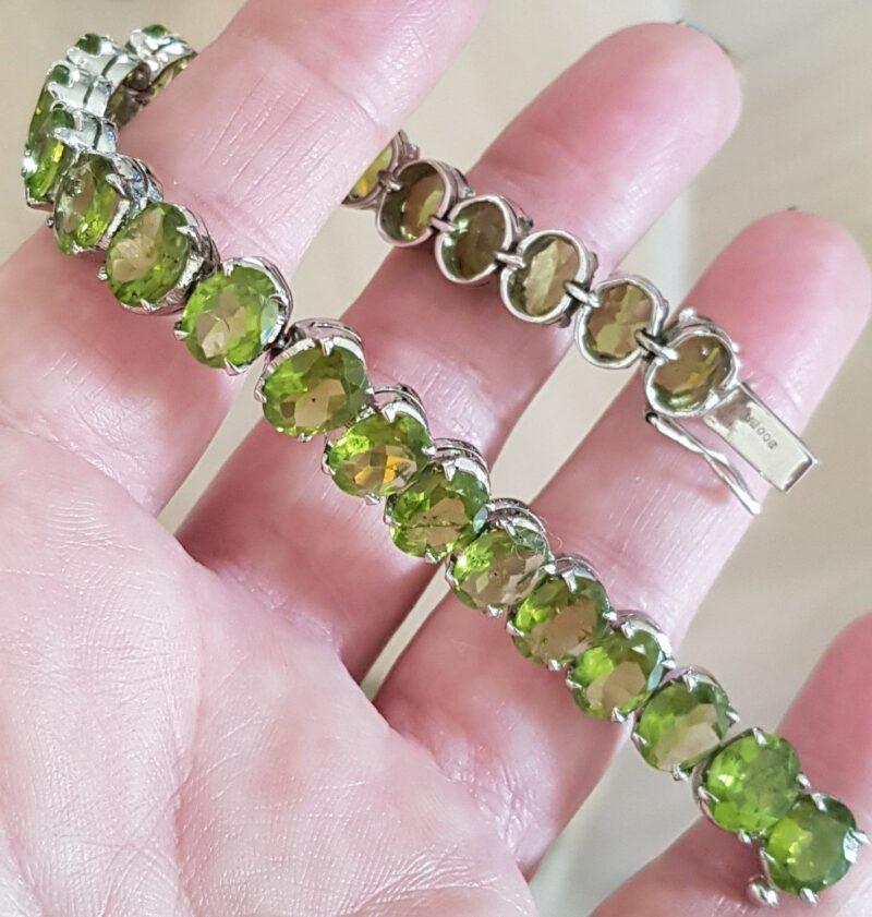 Funklende Grøn Peridot Armlænke i Sølv.