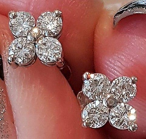Diamant Øreringe i Hvidguld m. Total 0,62 carat. !!