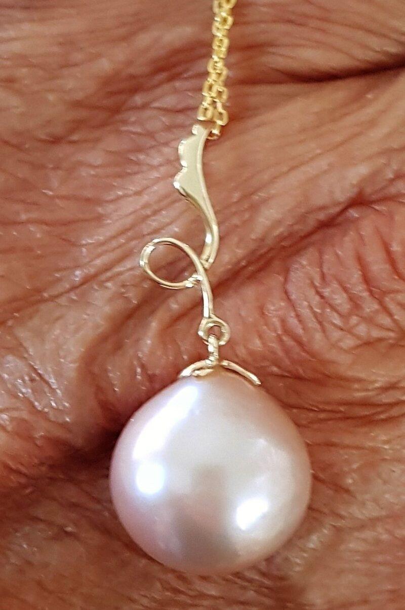 Rosa/Lavendel Farvet Edison Perle i 14 Karat Guld
