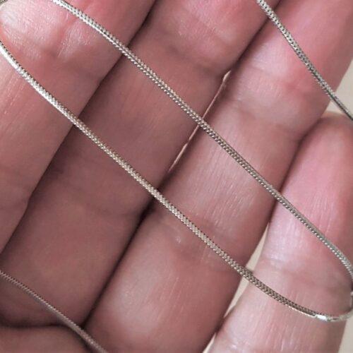 Slange Halskæde i 14 Karat Hvidguld.