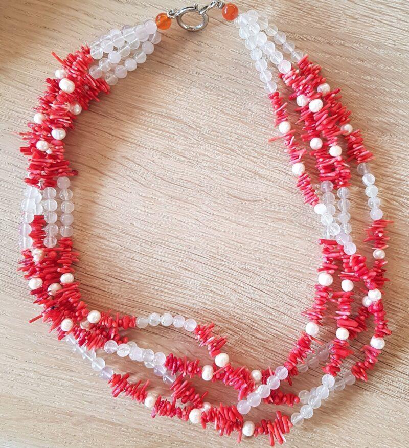 Coral Halskæde m. Hvide Perler og Quartz.