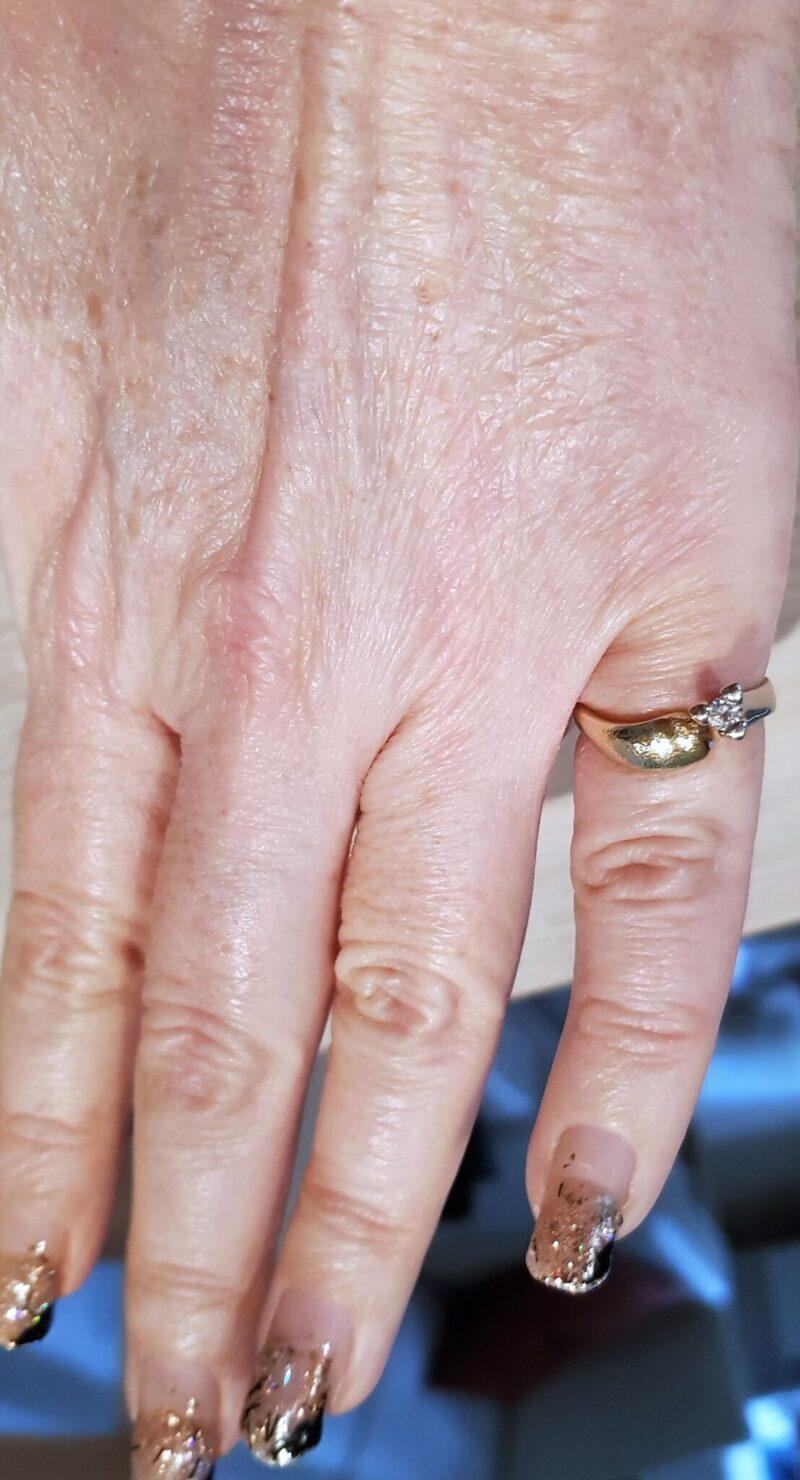 Håndlavet Kronprinsesse Ring i Guld/Hvidguld m. 0,19 carat Solitaire Diamant.
