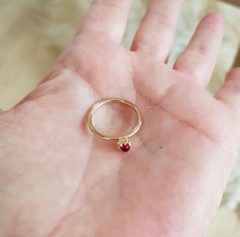 Spinning Ring i Guld m. Rød Zirkon