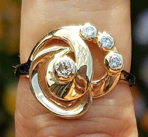 Unika Diamant Ring i 14 Karat Guld.