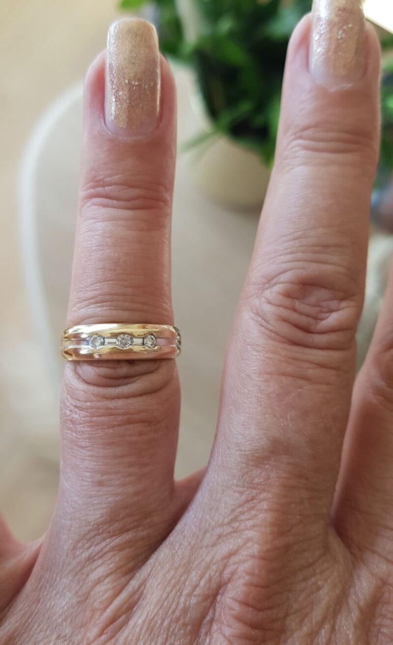 Stjernedrys Diamant Ring i 14 Karat Guld.