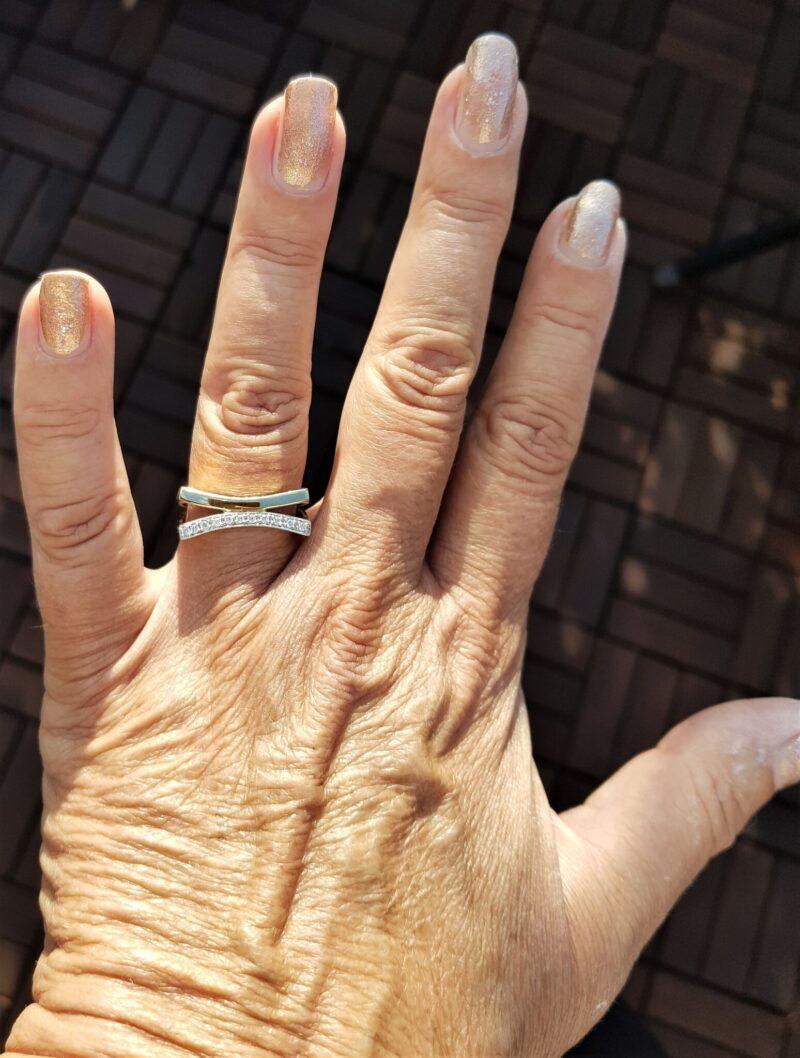 Totonet Guld/Hvidguld Ring m. Diamanter.