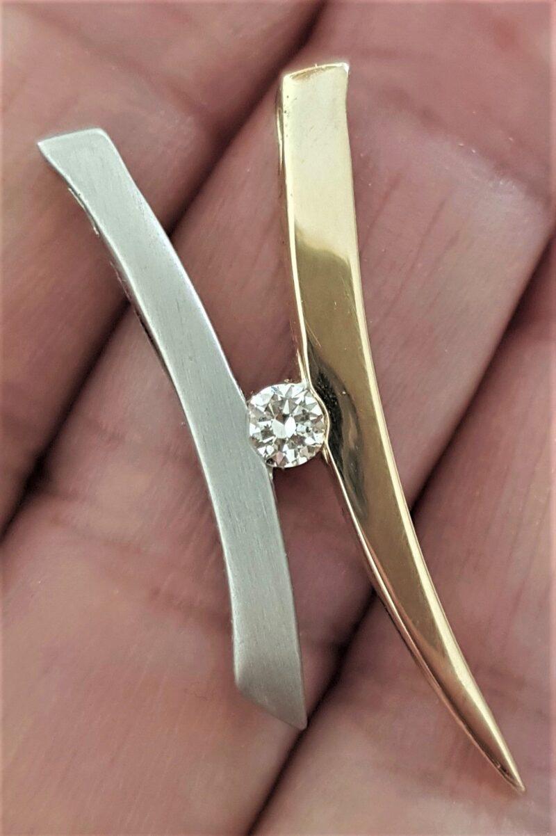 Håndlavet 14 Karat Guld og Hvidguld Vedhæng m. 0.25 carat Diamant.