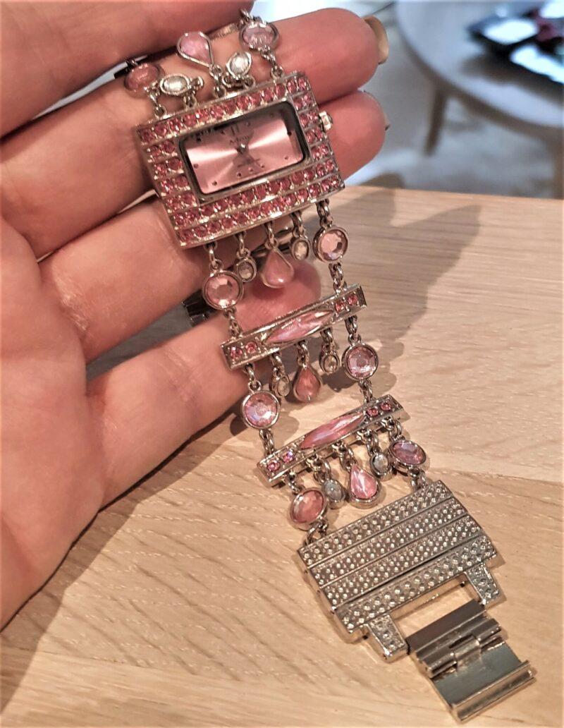 Adrina Ur m. Hængende Rosa/Pink Krystaller.