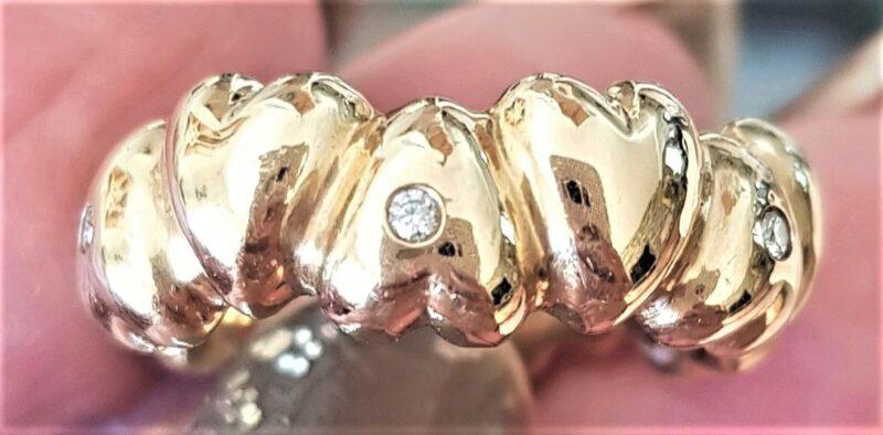 Håndlavet Hjerte Ring m. Diamanter i 14 Karat Guld.