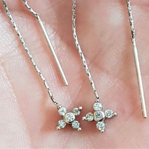 Hænge Diamant Øreringe i 14 Karat Hvidguld m. Total 0,20 carat.