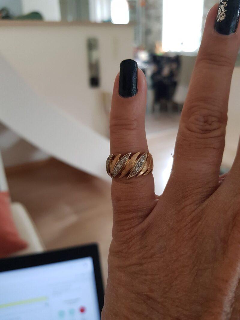 Unika Ring i 14 Karat Guld m. Diamanter.