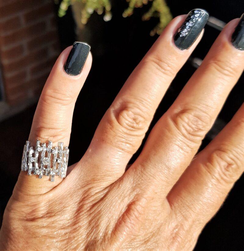 Unika Diamant Ring i 14 Karat14Hvidguld.