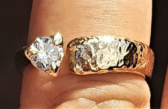 Kronprinsesse Ring m. 0,30 carat Solitaire Diamant.
