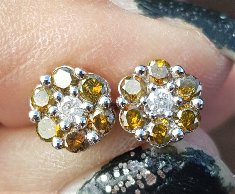 Roset Diamant Øreringe m. Faint Green Farvede Diamanter på Total 0,30 carat.
