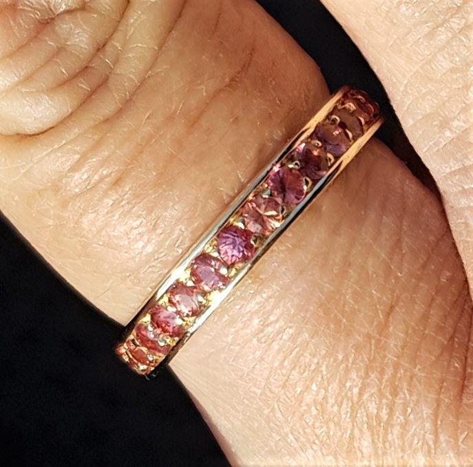 Eternity Ring i Guld m. Orange Safirer.