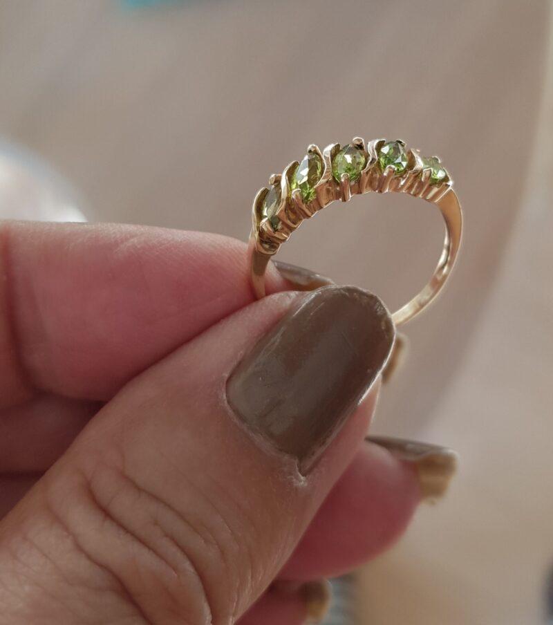 Guld Ring m. Grønne Peridot