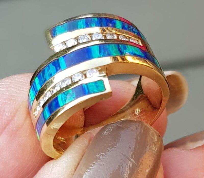 Opal/Diamant Ring i 14 Karat Guld