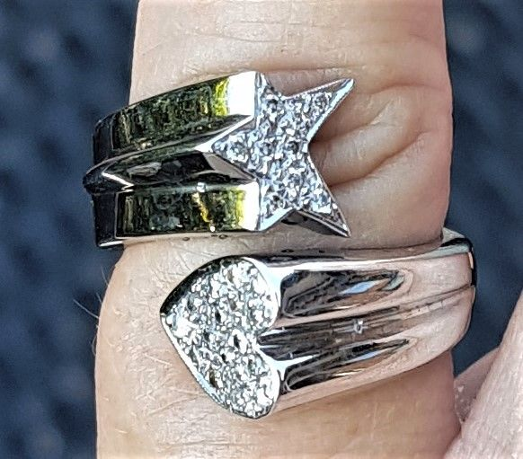 Stjerne/Hjerte Diamant Ring i 14 Karat Hvidguld.