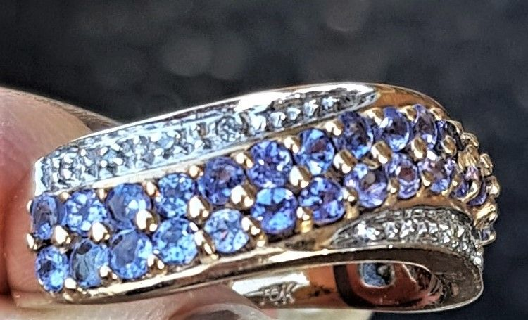 Tanzanit/Diamant ring i Guld