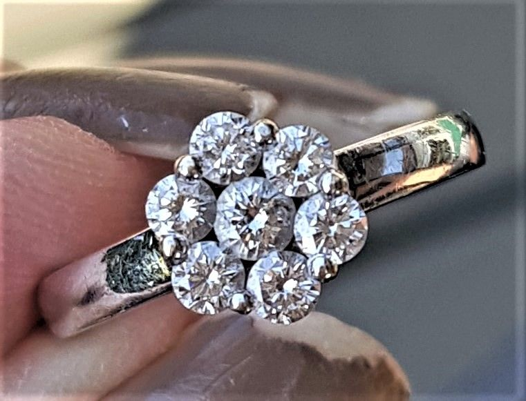 Diamant Roset Ring 0,60 carat, i 14 Karat Hvidguld.