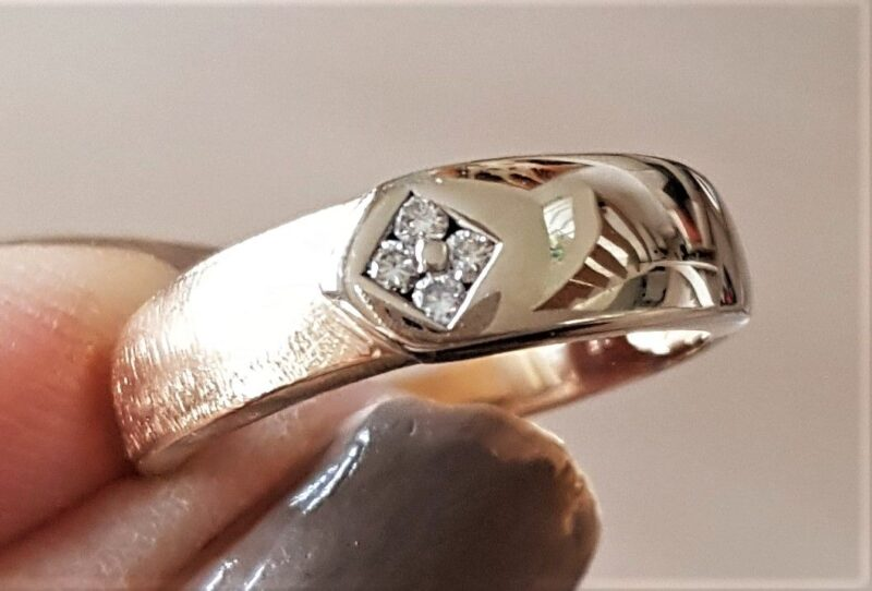 Børstet/Blank Diamant Ring i Guld/Hvidguld.