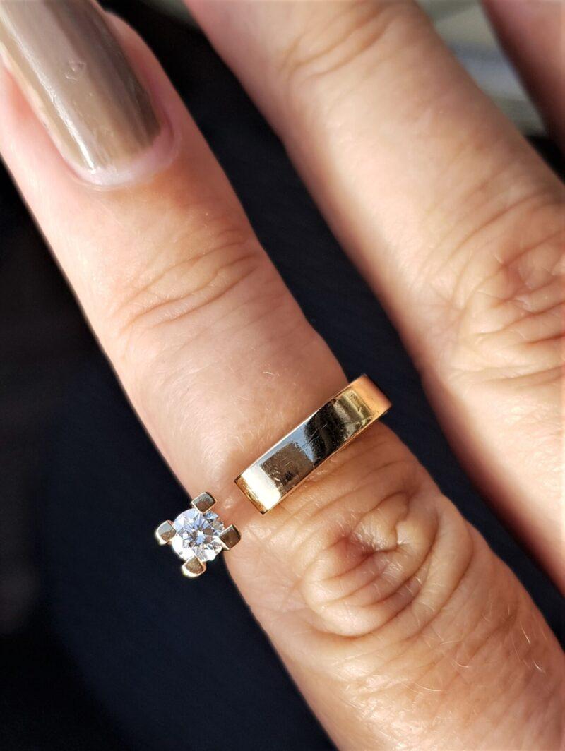 Kronprinsesse Ring i 14 Karat Guld m. 0,30 carat Solitaire Diamant.
