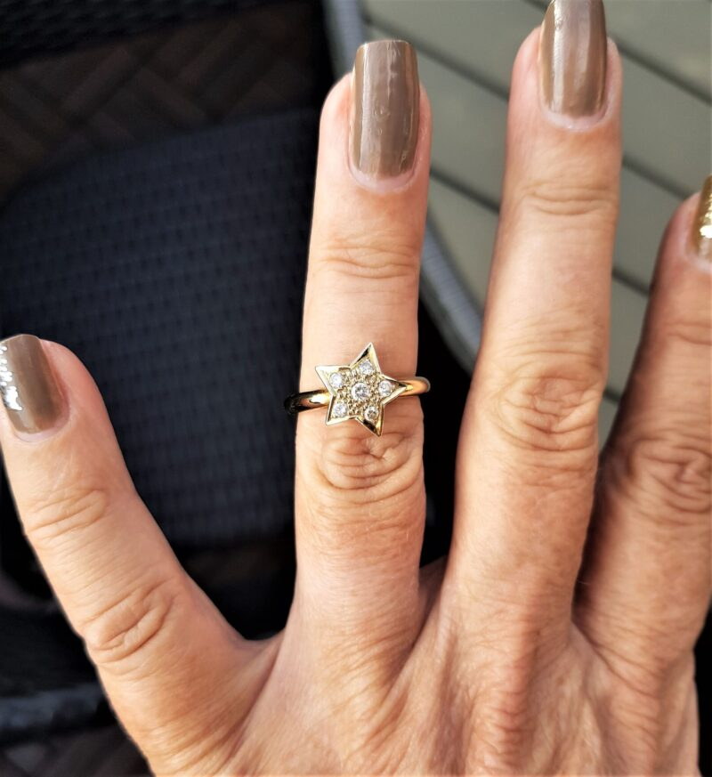 Stjerne Diamant Ring i 14 Karat Guld.