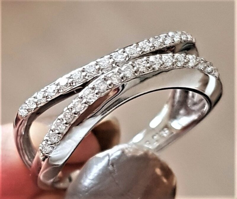 Bremer Jensen Diamant Ring i 14 Karat Hvidguld.