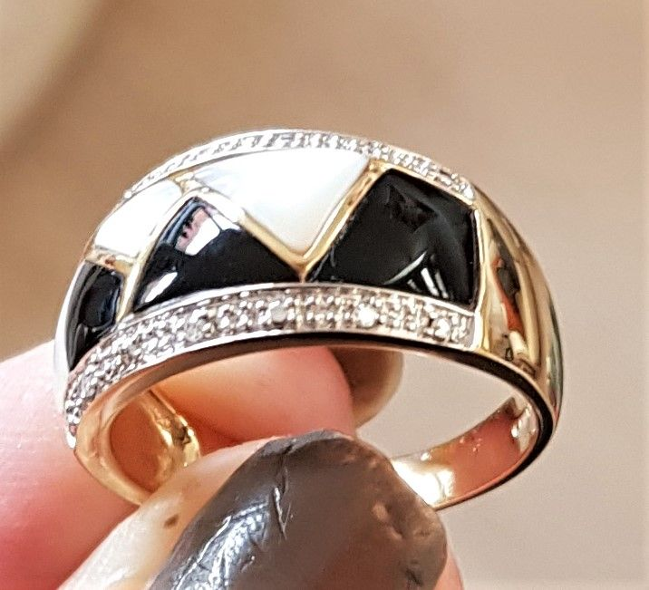 Onyx/Mother of Pearl Ring i 14 Karat Guld