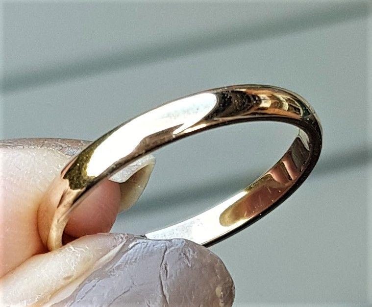 Herre/Forlovelses Ring i Guld.