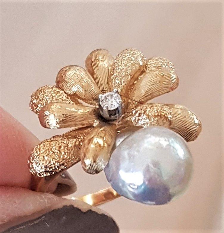 Biwa Perle Ring m. Diamant i 14 Karat Guld.