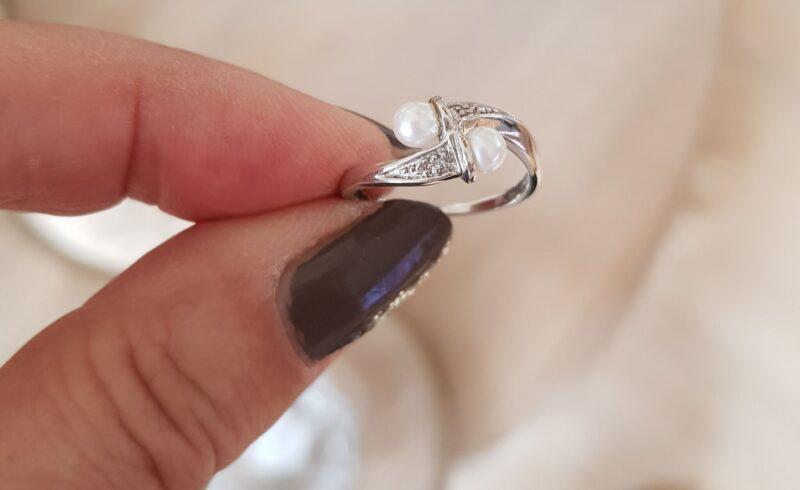 Kultur Ferskvand Perle Ring m. Diamanter i Hvidguld.