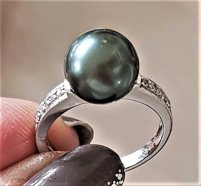 Tahiti Perle Ring m. Diamanter i 14 Karat Hvidguld.