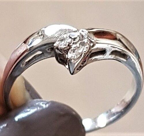Diamant ring i Hvidguld m. Tre Diamanter.