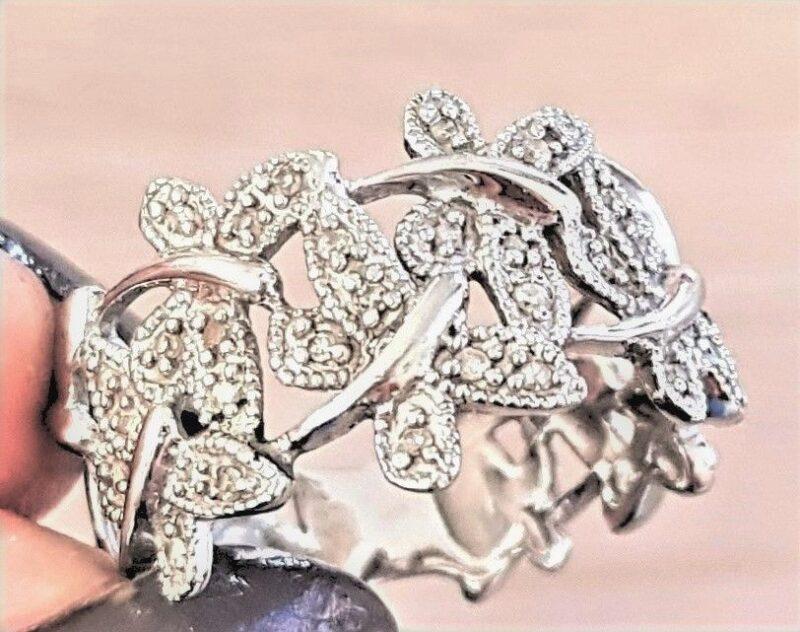 Bred Eternity Diamant Ring m. Sommerfugle i Hvidguld.