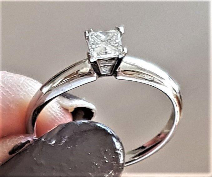 Prinsesse Cut Diamant Ring i Hvidguld m. 0,23 carat.