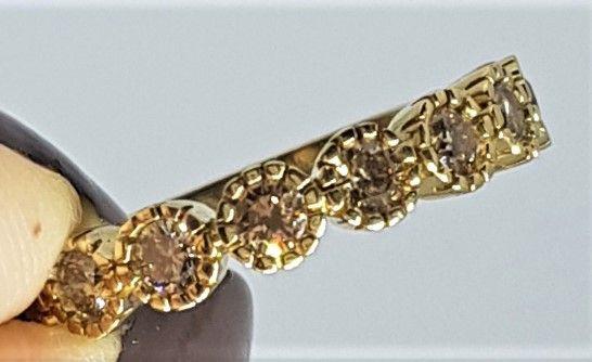 Champagne Farvet Roset Diamant Ring i Guld.