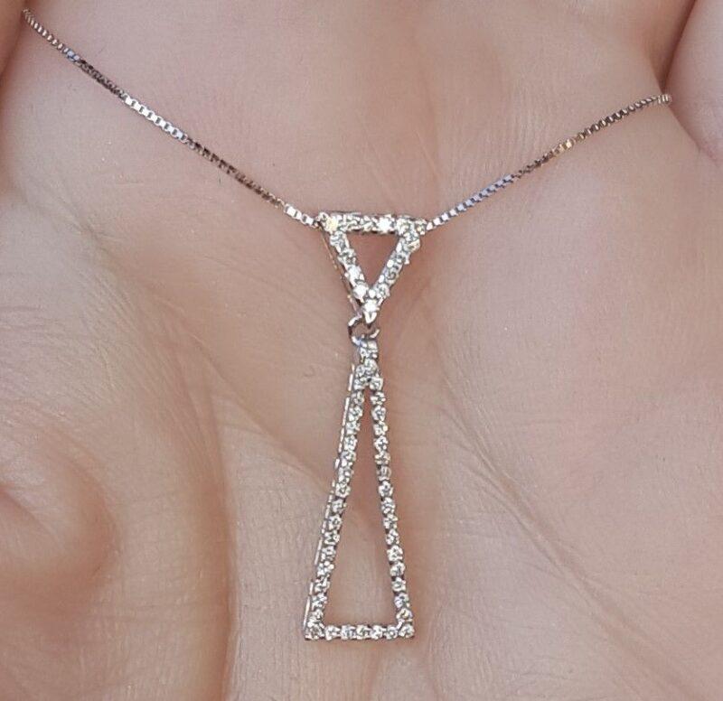 Triangle Diamant Vedhæng i 14 Karat Hvidguld m. Total 0,30 carat Diamanter