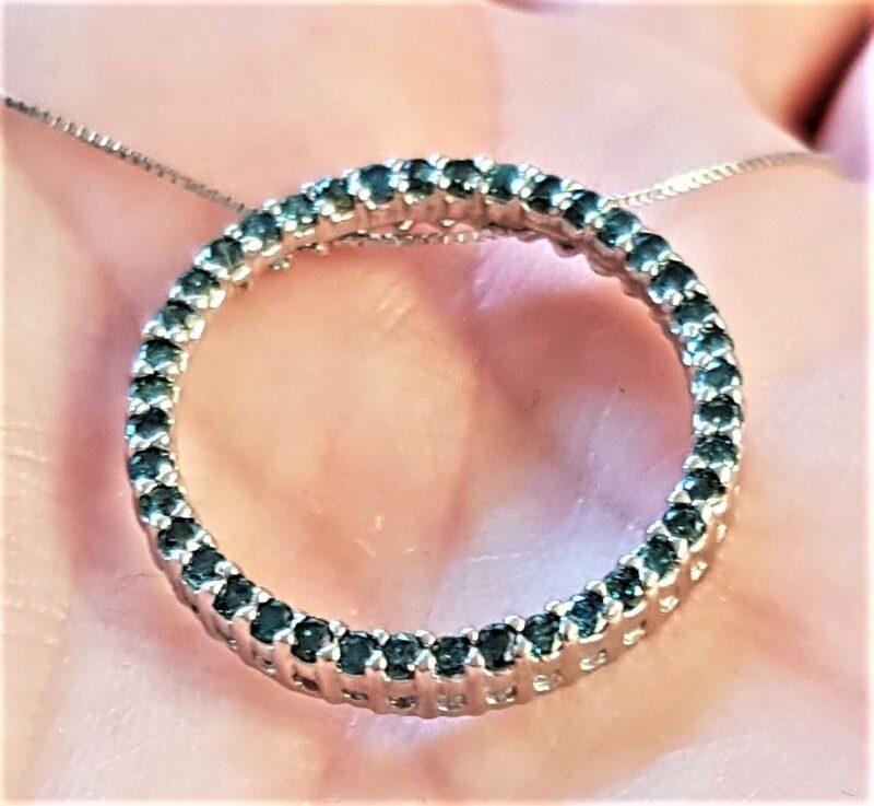 Cirkel/Eternity Diamant Vedhæng m. 1,25 Karat Blå/Grønne Diamanter