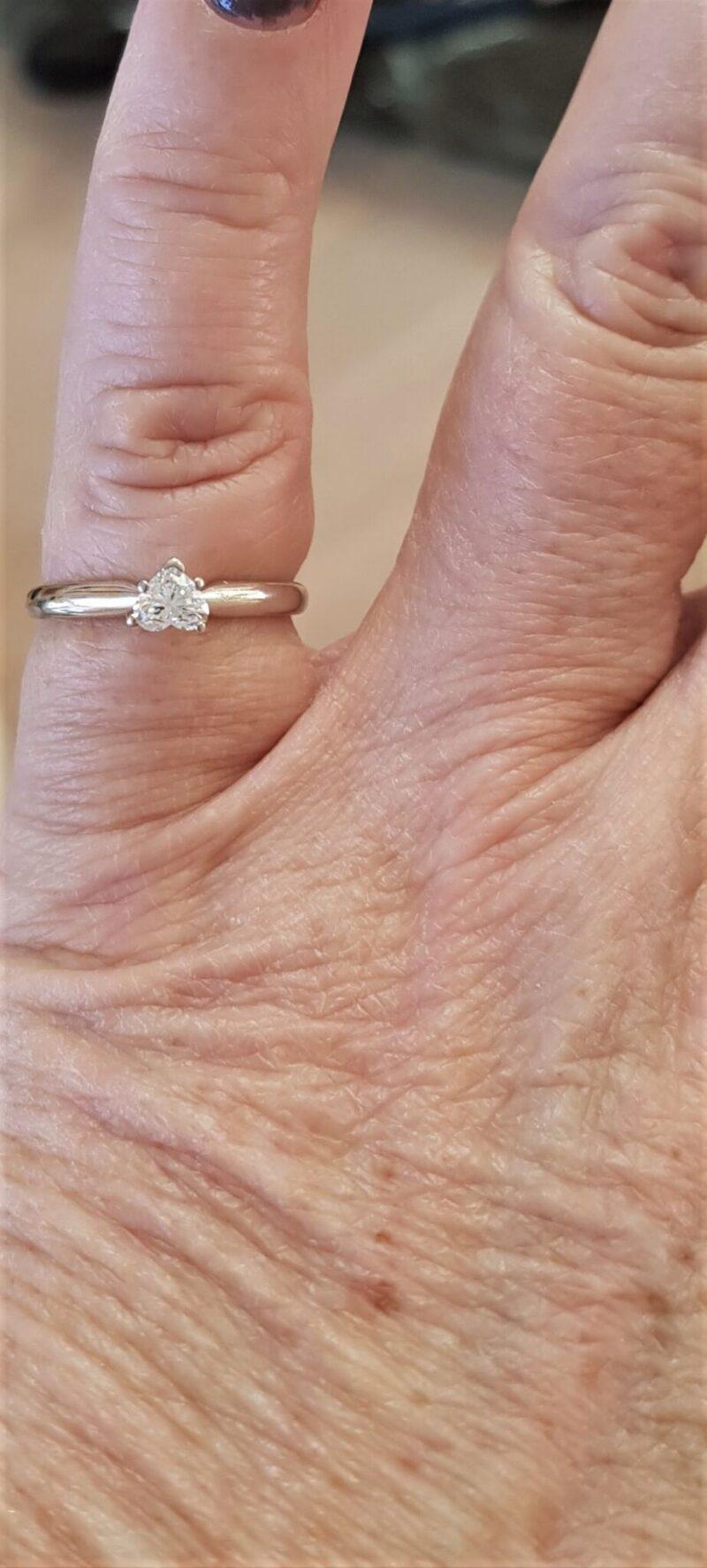 Hjerte Diamant på Total 0,28 Karat i 14 Karat Guld ring.