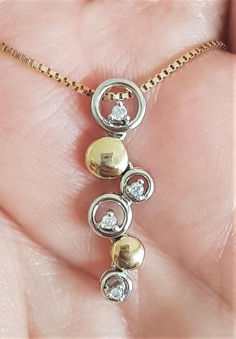 Cirkel/Eternity Diamant Vedhæng i Guld/Hvidguld m. 0,08 carat Diamanter.