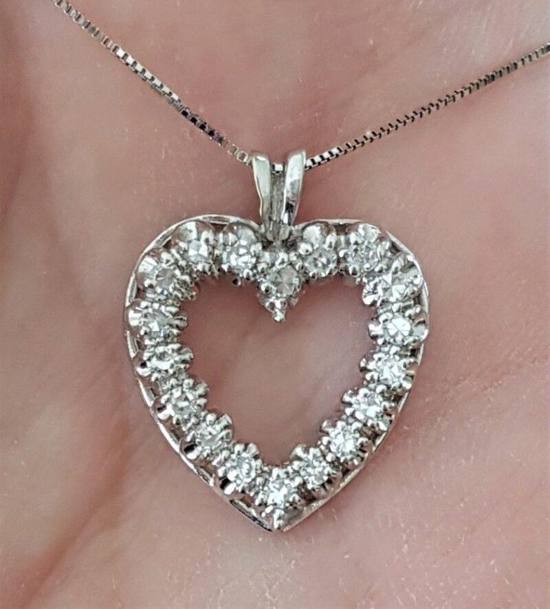 Diamant Hjerte i Hvidguld m. i alt 0,50 carat Diamanter