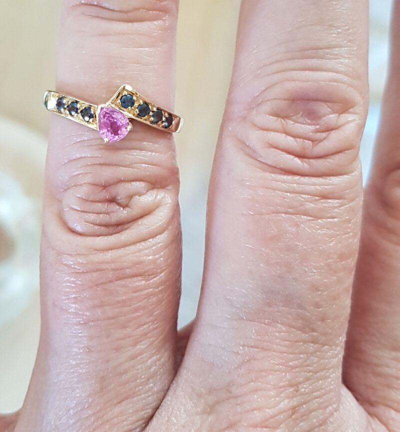 Pink Safir ring