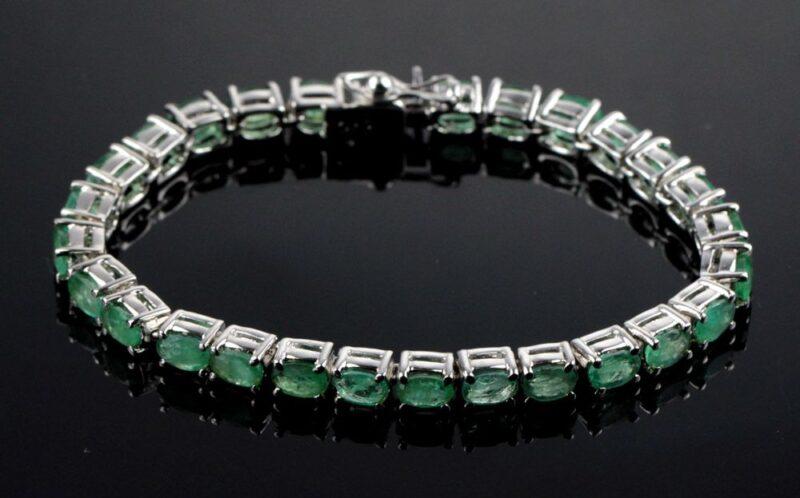 Grøn Smaragd Armlænke i Sølv.